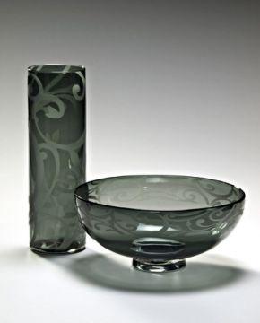Vase%20&%20Bowl;%20Steinway%20pattern
