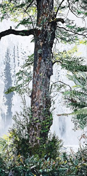 The tree at Russell Falls by Tony Sowersby